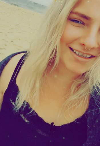 Selfie ✌ Blond Hair Smiling Sea Happiness Wanderlust Its Me WhatsHappening Everything In Its Place Fun