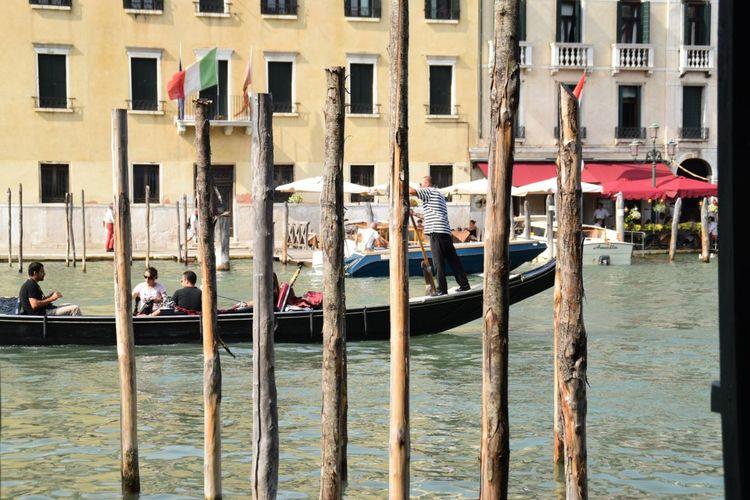 「 Seven Pauls 」 Italy Venice Venezia イタリア ベニス ベネチア Photography Photo 写真 River 川 Boat 舟 棒 晴れ Sunny