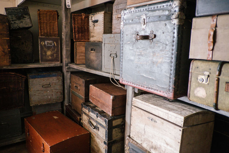 Suitcase Bag Bags Wood - Material No People Container Indoors  Box Box - Container Old Stack Drawer Day Shelf Architecture Crate Large Group Of Objects Business Close-up Storage Compartment Cabinet Still Life Built Structure Baggage
