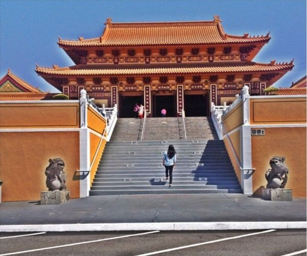 HSI LAI Temple 💛 Walking Around Enjoying The Sun Relaxing Temple - Building California South California Escaping Sunbathing Los Angeles