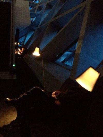 This lamp fells asleep!~Cette lampe s'est endormie! (这盏灯睡着了) China Guangzhou Indoors  Lamp Falling Asleep Asleep Humor