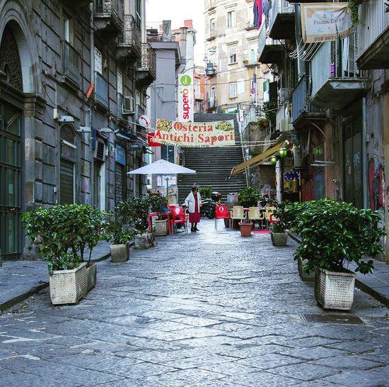 Napoli vicoli mare
