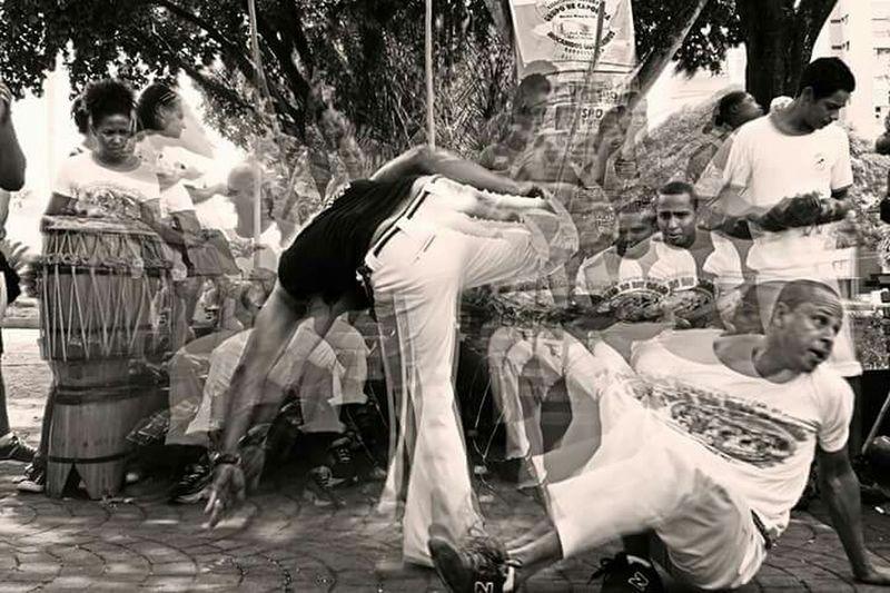 Capoeira resistência ... Capoeira Capoeira Regional. Capoeira Time QuintaldaCapoeira Capoeira Regional Treinhard Berimbal Pandeiro Atabaque Besouro Brasil ♥