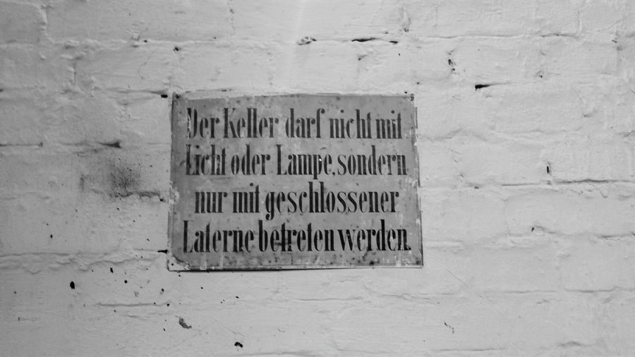 Berlin Keller Ohnelichtmitlaterne