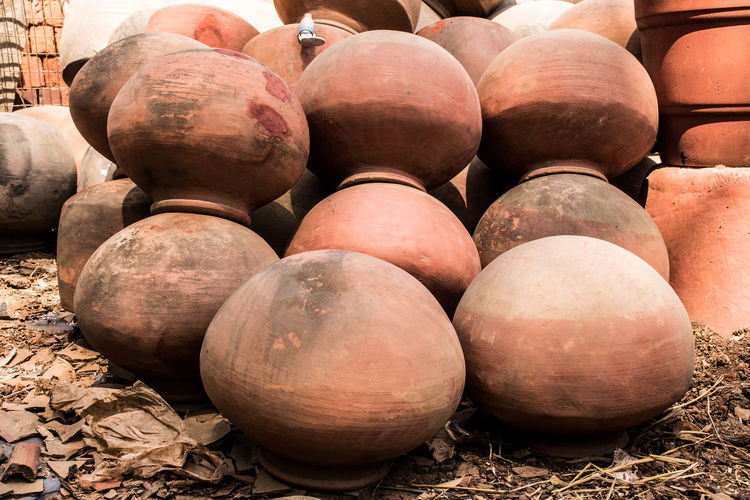Water Container Ceramics Redpot Red Mud Pots Pottery Earthenware Agriculture Market Business Finance And Industry Close-up Food And Drink For Sale Shop Stall Repetition Display The Art Of Street Photography