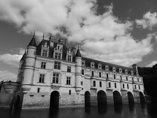 Chenonceau Chenonceaux Loire Loire Valley France Sky Architecture Building Exterior Cloud - Sky Built Structure History The Past Nature Building Arch Day Travel Destinations No People Window Low Angle View Water Old Outdoors Waterfront Gothic Style Courtyard