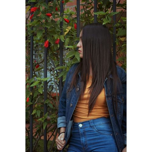 Only Women Lifestyles One Person One Woman Only Day Nature Beauty Portrait Of America Porttrait Moda Flower Photooftheday Sesionfotografica  Picoftheday Colombia Vibrant Color
