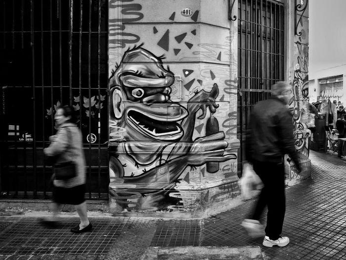 Buenos Aires, Arg. 2015. ©Gustavo Mondragon ©La Calle Foto Lacallefoto Streetphoto_bw The Street Photographer - 2015 EyeEm Awards Latinstreetphoto Latinstreetcollective Bsas Mercadosantelmo Streetphotographers Streetphotography
