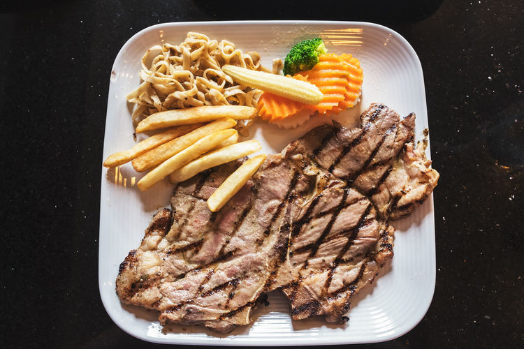 Beef Food And Drink Steaks Babeque Beefsteak Food Franch French Fries Grilled Steak Dinner T-bone Steak