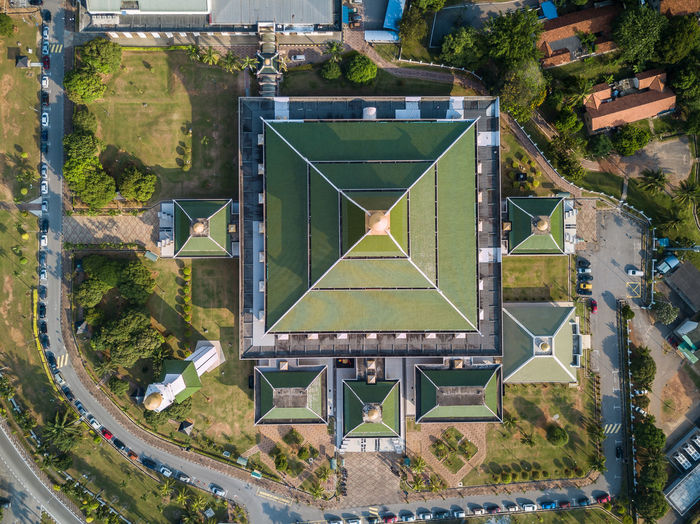 Aerial Photo - Top Down View of the Al-Azim Mosque, Malacca, Malaysia. Chinese, Islamic Architecture. Aerial Aerial Shot Aerial View Architecture Architecture Building Exterior Built Structure Chinese Architecture Day Eid EyeEm Best Shots Faith High Angle View Islam Islamic Architecture Malacca Malaysia Minaret Mosque No People Outdoors Pattern Place Of Worship Ramadan  Tree