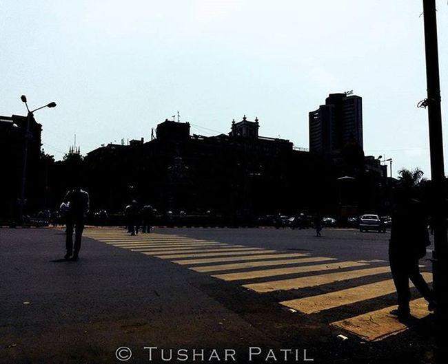 How the world looks from one end of the road! Zebracrossing Roadview Mumbai Roads MumbaiDiaries _soi Repostingindia India_gram Indianstories Ig_Mumbai Ig_maharashtra Ig_india Ig_worldclub Indian_photographers Asusglobal Zenfone Zenfoneglobal Instadaily Instagood Instagram _soimumbai