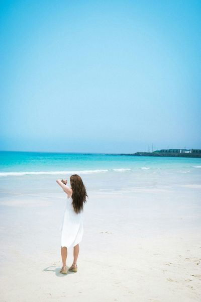 JEJU ISLAND  Beach Life Is A Beach Enjoying Life Taking Photos Scenery Girl EyeEm Best Shots Eye4photography  EyeEm Korea