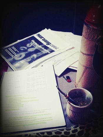Y pensar que esas largas noches de estudio... algun dia tendrá su recompensa
