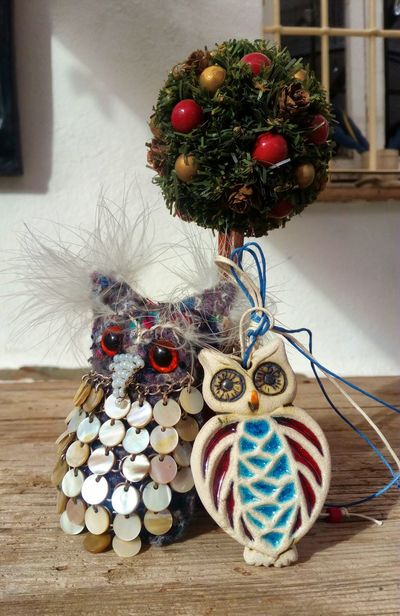 A Wise double act. Indoors  Christmas Christmas Decoration Table Variation Christmas Ornament No People Home Interior Easter Close-up Day Owls Are Cute Skwirrel Heaven
