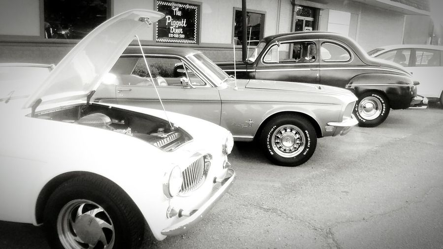 Taking Photos Check This Out Enjoying Life Amazing Rare Moment Classic Cars Vintage Cars Black And White Antique Fresh Priceless Moment  Arkansas Beautiful Car Show You Should Be Here Taken With Phone