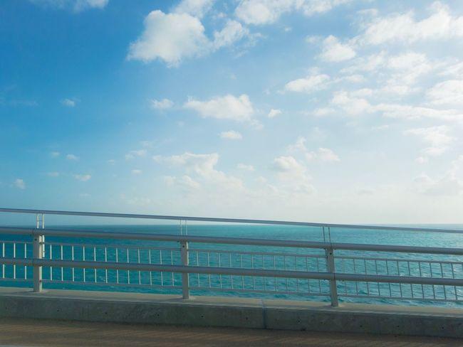 風強いので、移動。 車も転がりそう。 Sea Sky Horizon Over Water Cloud - Sky Tranquil Scene Tranquility Nature Beauty In Nature Landscape From My Point Of View Been There. Done That. The Week On EyeEm EyeEmNewHere EyeEm Nature Lover Lost In The Landscape EyeEm Gallery Faces Of Summer Bridge View Roadtrip Window View
