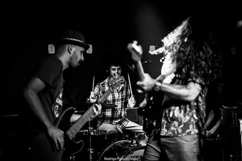 Bela gig, grandes brothers! Gig Rock Blues AndrePrando Prando Guitar Drums Bass Concert Music Band Grunge Fluente