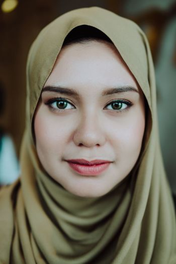Hijab girl Portrait Looking At Camera Headshot Focus On Foreground Front View One Person Close-up Real People Indoors  Day People Portrait Of A Woman Hijabista EyeEm Best Shots Portraiture Womanportrait