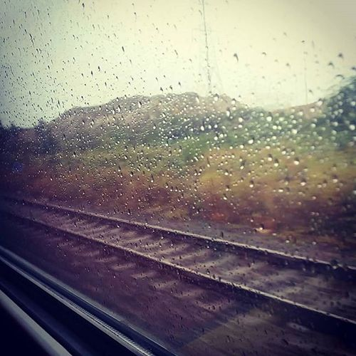 🚅 Traintracks Bordom Train Rain Shiitweather Dark Dull Moggy Foggy
