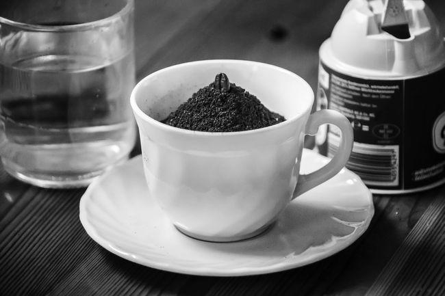 Bean -> powder -> water --> milk --> Ready Bnw_coffee Bnw_friday_eyeemchallenge