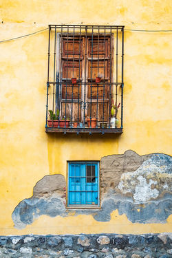 Granada Granada, Spain The Week on EyeEm Apartment Architecture Building Building Exterior Built Structure Damaged Day House Low Angle View Metal Nature No People Old Outdoors Residential District Security Security Bar Wall Wall - Building Feature Window Window Frame Yellow