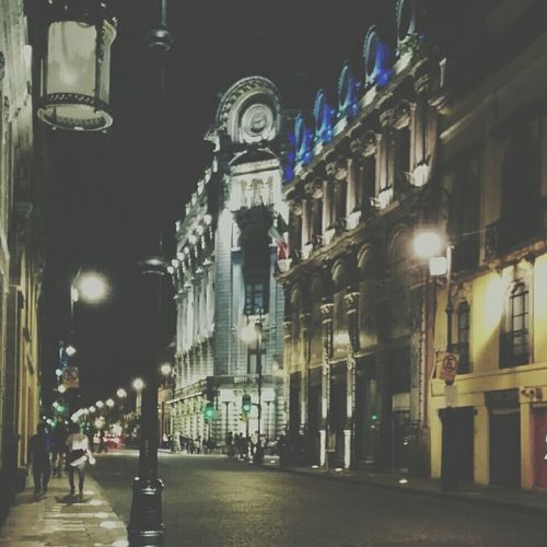 Architecture Building Exterior City Night Street City Life City Street Sky Tourism Ciudad De México Conocemexico Mexico Mexico City Enjoying Life City Travel Instapic Awesome Orgullo Mexicano Fotografia Disfruta MexicanGirl Zócalo D.F Distrito Federal  Nightphotography