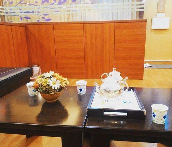 療程結束後的休息空間 有🌸 ☕ 花茶可以喝 THTC 休閒系