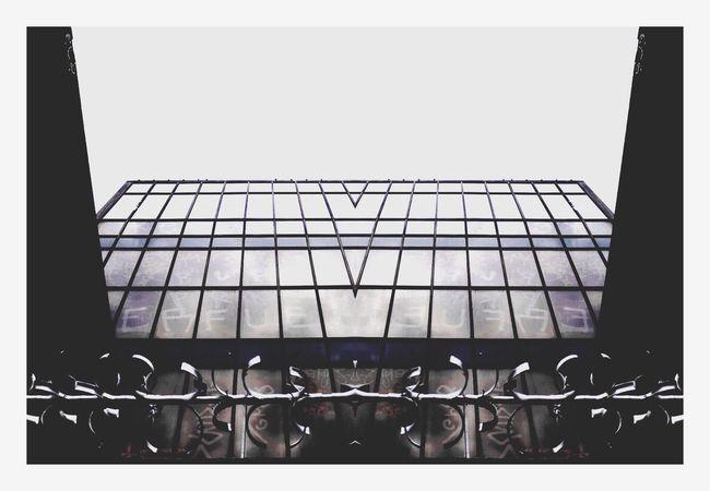 Mirror image. Check This Out Taking Photos Enjoying Life PicArts VSCO Vscocam EyeEm Building Mirror Buildings Glass Sky Razorwire Canon Canonphotography Canon_photos Canon750D Contrast Leeds Eyeemphoto