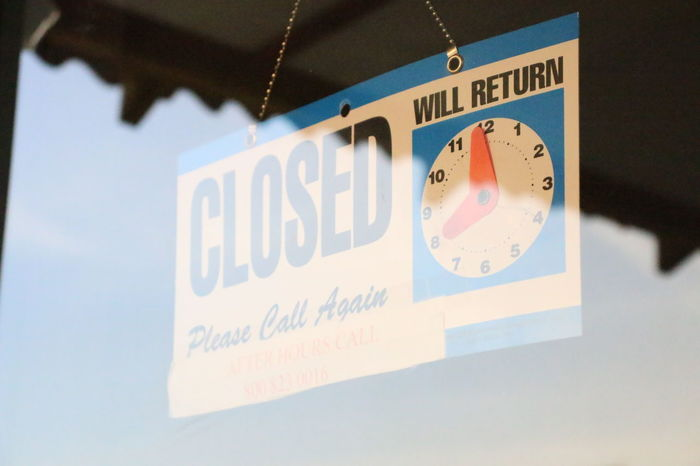 Closed Closed Closed Sign Reflection Door Business Hanging Text Reminder Close-up Information Sign Sign
