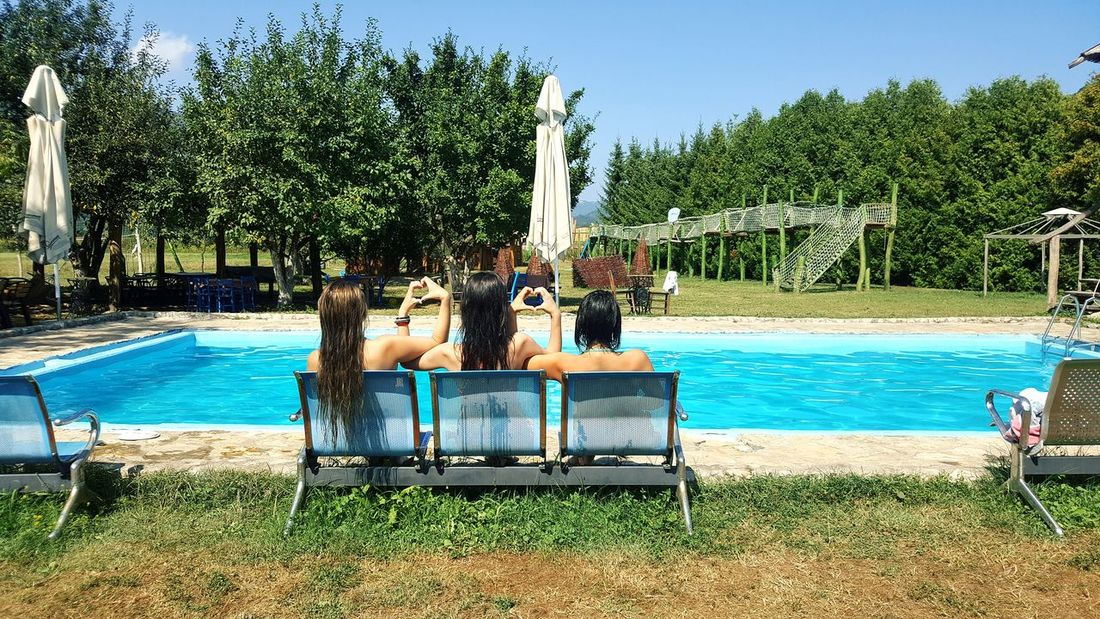 Tree Water Swimming Pool Day Outdoors Beach Sky People Friends ❤ Friends Forever! Bestfriends Sky And Clouds Cloud - Sky Grofovija Happy :) Happy Time Love My Friends ❤️👭👭