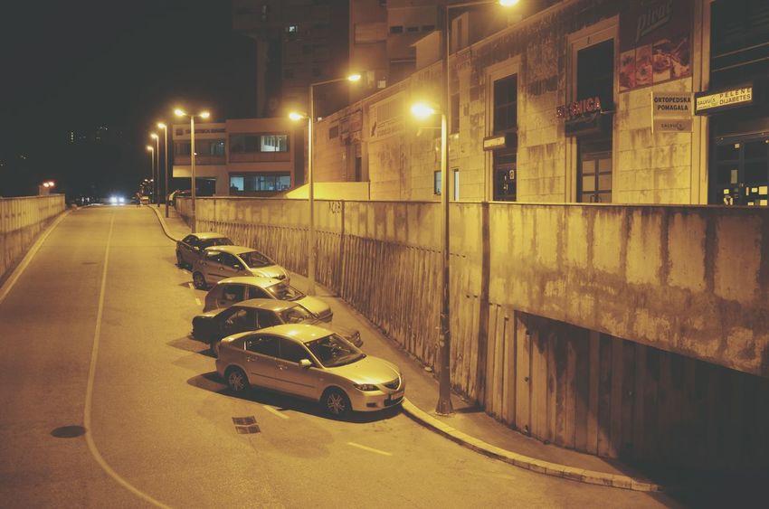 Night Illuminated Street Light Yellow City No People Outdoors Urban Urban Landscape Streetphotography Street Cars