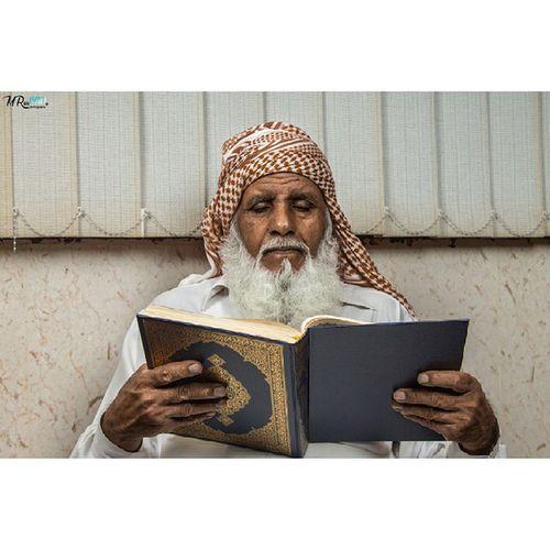 شفيع قارئه يوم القيامة القرآن تصويري  القراءة