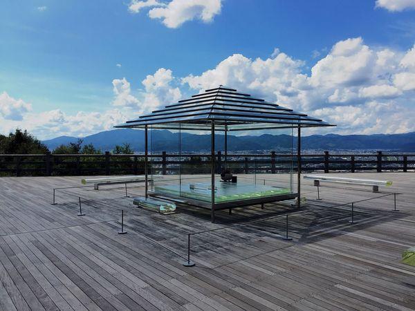 将軍塚のガラスの茶室ー! 綺麗すぎる… (This is a tea room. It's made of glass.) Glass Glass - Material Tea Room Kyoto Shogunzuka 京都