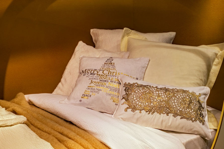 Pillows on a bed BedTime :) Bedtime Bedroom Close-up Day Decorative Decorative Art Decorative Beds Food Freshness Indoors  No People Pillow Fight Pillows Pillows And Blankets Pillows Thai Style Sack