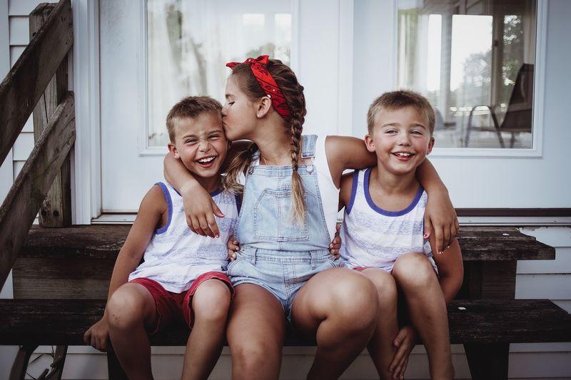 Sibling Love Us