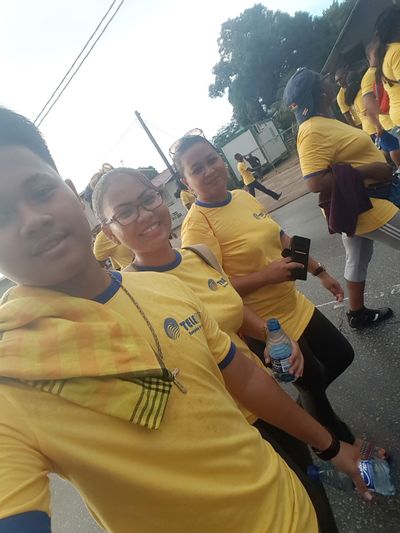 Labor Day Togetherness People Outdoors SisterLovee ♥ Nephew ♡ Jogging Time Walking On The Street 5k Run Looking At Camera Yellow Sport Blue Memoriesmade Family Smiling Eyeglasses  Happiness Latepost Latergram