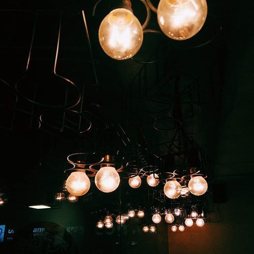Lights Bulb Vscocam Iitdelhi Sodelhi Onepluslife Dfordelhi Chaayos
