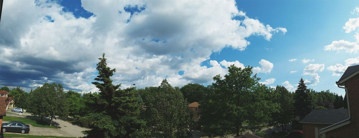 Rooftopping The Great Outdoors - 2015 EyeEm Awards Clouds Panorama Panoramic Photography Clouds And Sky From The Rooftop Rooftop View  Cloudy Day My Hometown Love This View
