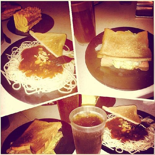 pang Late lunch Theport Spaghetti Caramelnutcake Tunasandwich Ham And Eggcheessandwich Togetherwithmy @avriljee23 Mama Cousin Igers Instapic GMall 52913