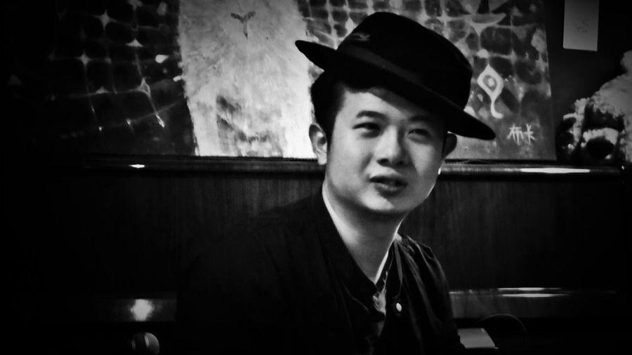 2018/6/15 【古箏小妹 X 愛德華:無限之戰】音樂演奏會速寫 於一文錢大學咖啡館 Piano Moments Taiwan Bw Friendship Friend Bw_lover BW_photography B&w Photo B&w Bw Photography B&w Photography Bwphotography Music Headshot Hat EyeEmNewHere