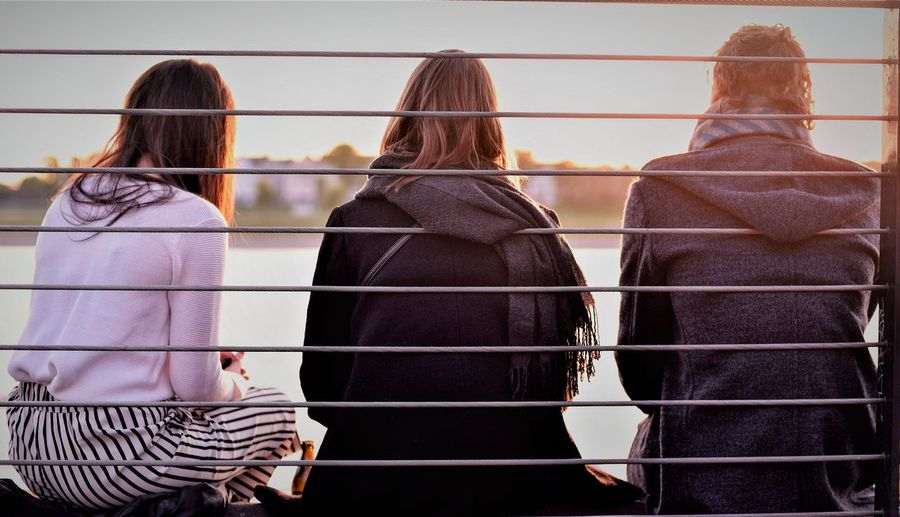 A friendly sunset EyeEm Selects Adult Rear View Adults Only People Fashion Togetherness Lifestyles Group Of People Real People Day City Young Adult EyeEmNewHere
