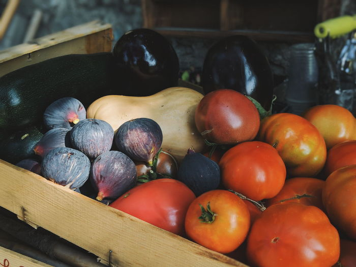 Figs, tomatoes, eggplants and other produce from the garden Figs Eggplant Tomato Garden Produce Organic Organic Food Organic Farm Basket Abundance Market Healthy Lifestyle Close-up Mediterranean Food Farmer Market Homegrown Produce Vegetable Garden Harvesting