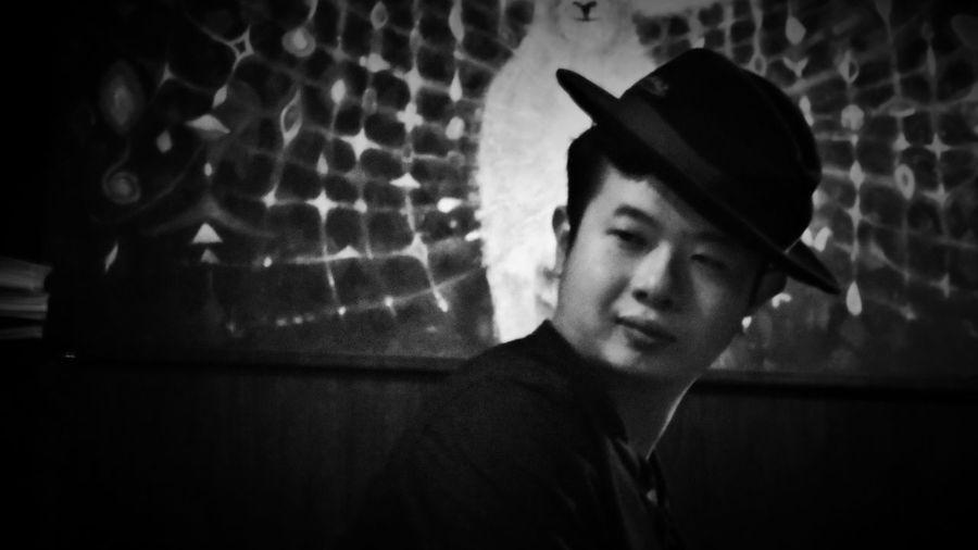 2018/6/15 【古箏小妹 X 愛德華:無限之戰】音樂演奏會速寫 於一文錢大學咖啡館 Taiwan Friendship Friend Bw Bw_lover BW_photography B&w Photo Bw Photography B&w B&w Photography Bwphotography Portrait Headshot Human Face Close-up EyeEmNewHere