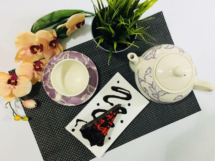Tea time #flatlaytoday #hitea #happydinie #BirthdayCake  #flatlay