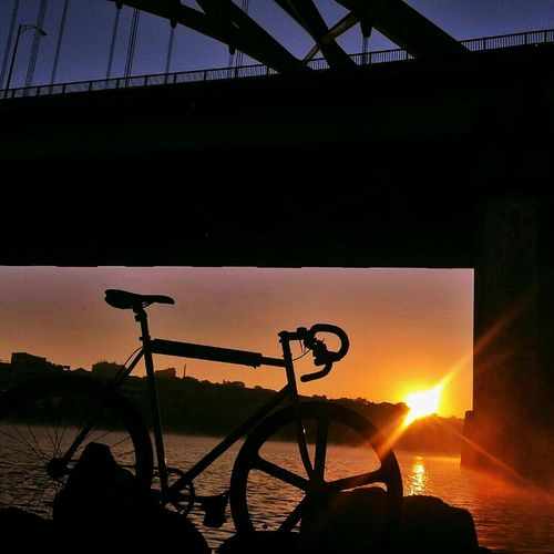 A song of ice and fire. Sunrise Sky Bridge Bike Enjoying The Sun Fixie Sky_collection Sun_collection Mercier Aerospoke Dropbars Kilo Tt River