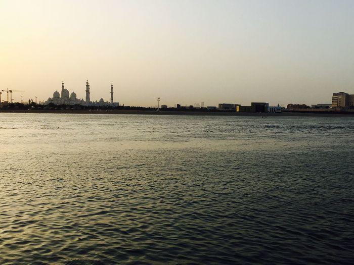 Water Abu dhabi Sunset f Abu Dhabi