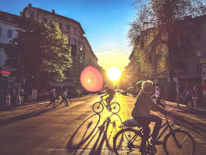 Citylife Citylights Fahrrad Traffic Bycicles Streetphotography Streets Sunset My Commute