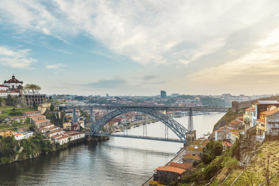 Ponte Dom Luis I Dom Luís I Bridge Porto Portugal Arch Arch Bridge Architecture Bridge Bridge - Man Made Structure Building Building Exterior Built Structure City Cityscape Cloud - Sky Connection Duro Nature No People Outdoors Ponte Residential District River Sky Transportation Water