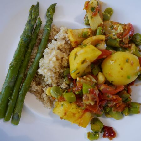 Quinoa , green asparagus and vegetables hotpot in a plate Meal Asparagus Quinoa Potatoes Beans Food Dinner Vegetarian