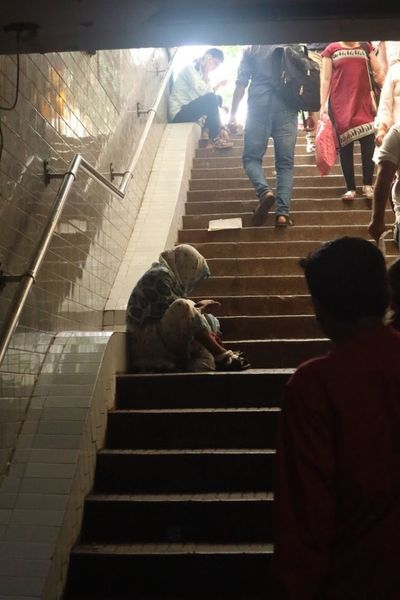 Beggar Steps And Staircases Steps Staircase Real People Men Lifestyles Large Group Of People Leisure Activity Women Stairs Indoors  Standing Day Adult People Adults Only